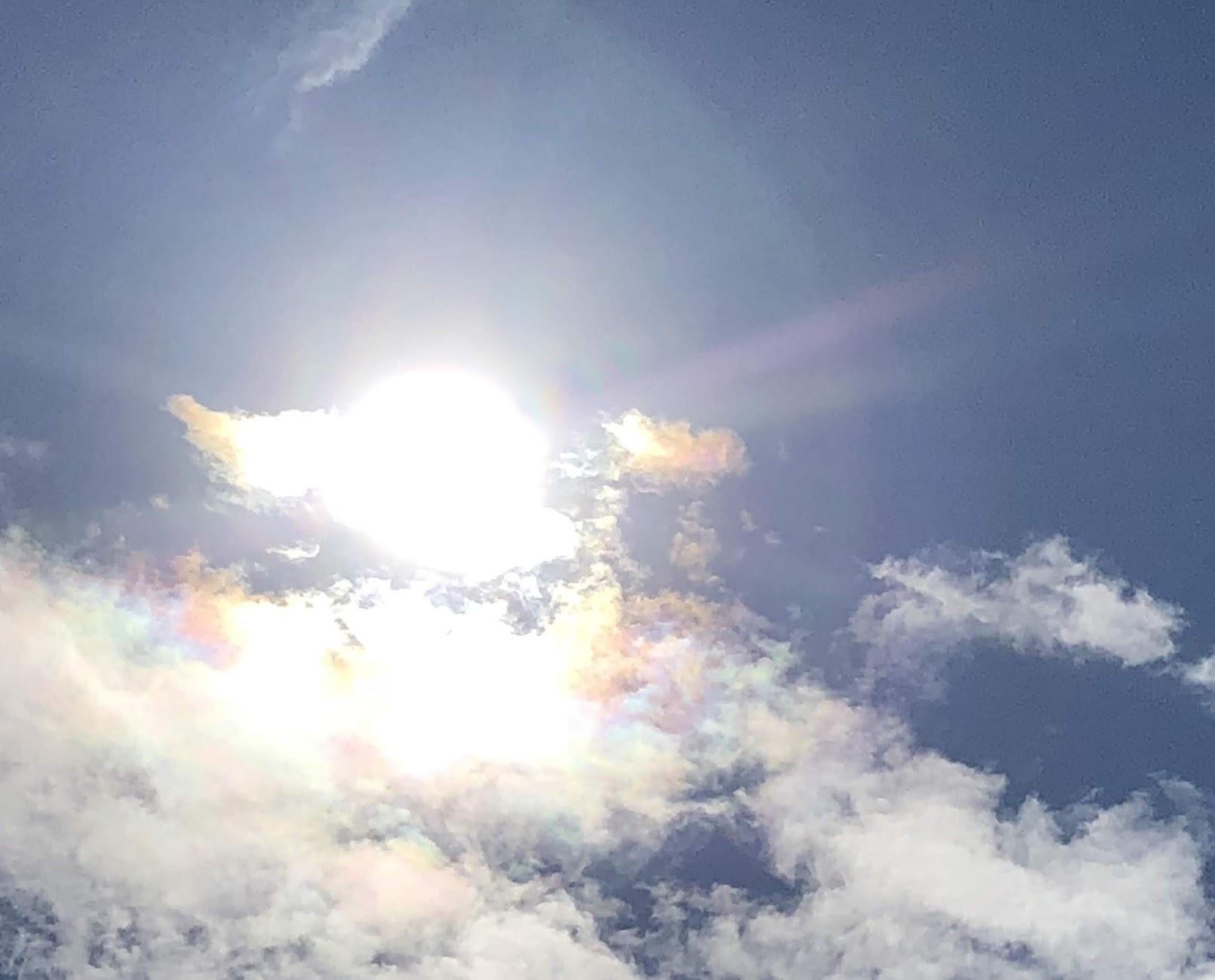 《空と雲》竜馬さんと彩雲~天の恵みに。~_b0298740_21172758.jpg