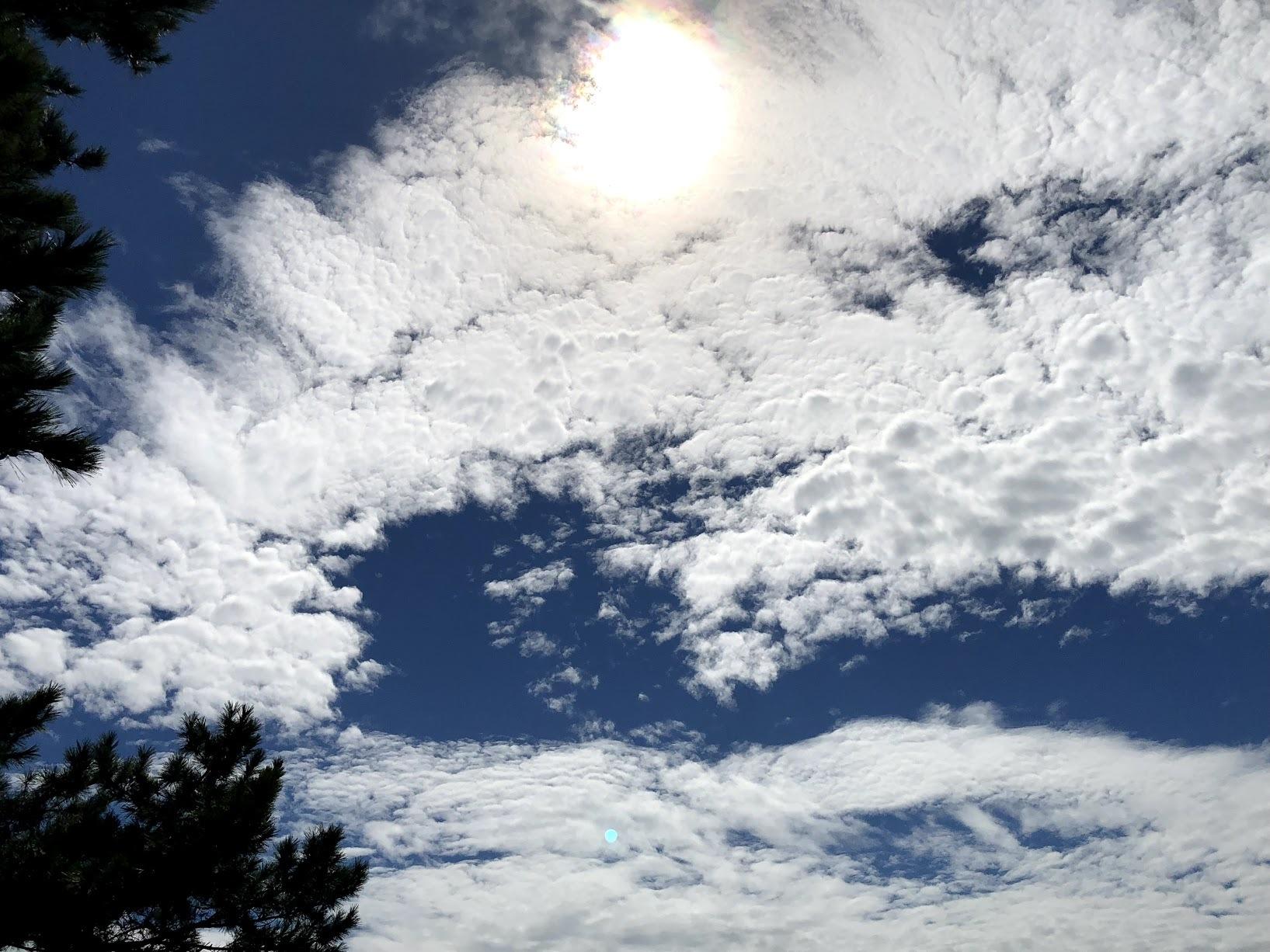 《空と雲》竜馬さんと彩雲~天の恵みに。~_b0298740_21174565.jpg