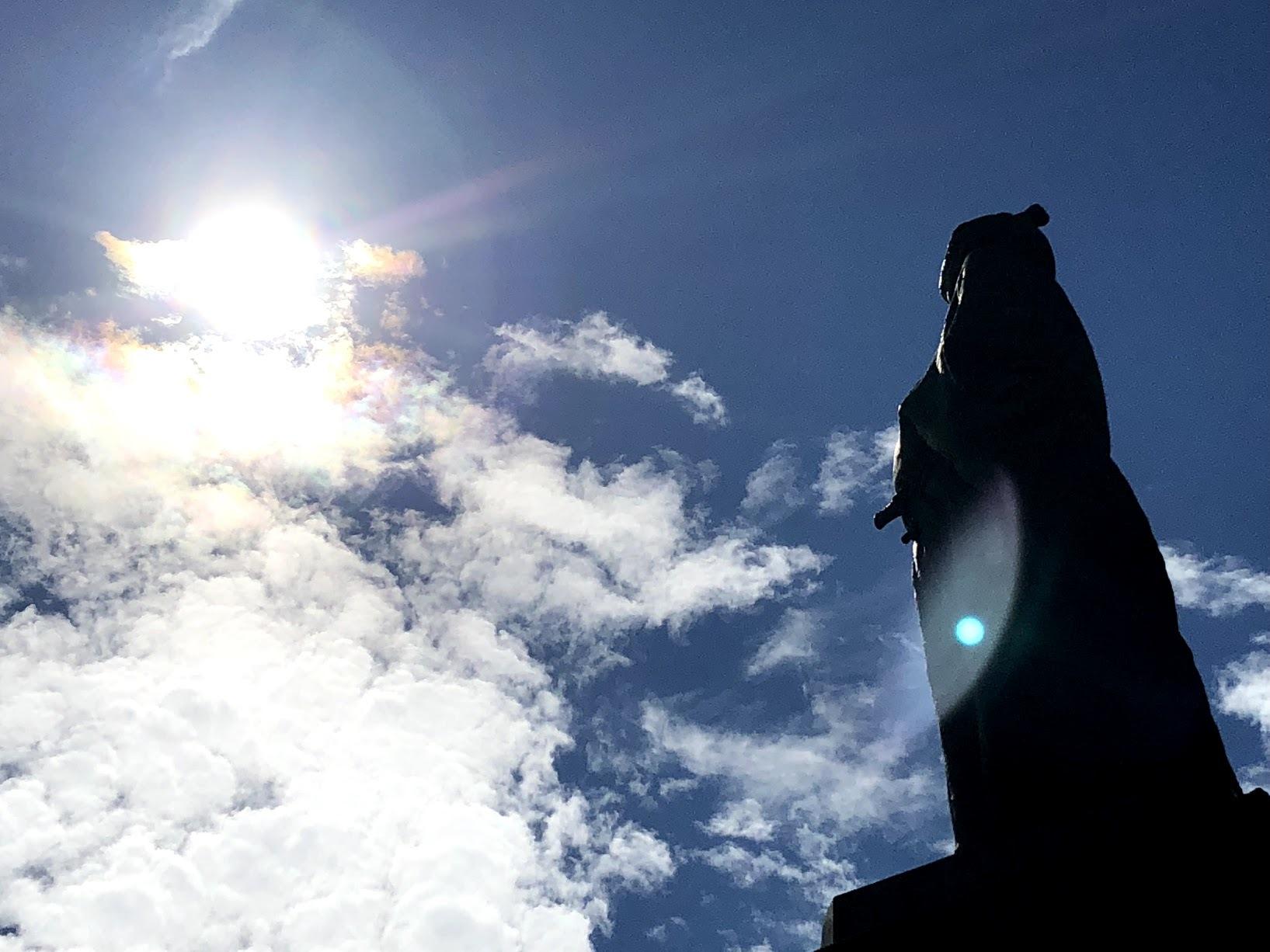 《空と雲》竜馬さんと彩雲~天の恵みに。~_b0298740_21185912.jpg
