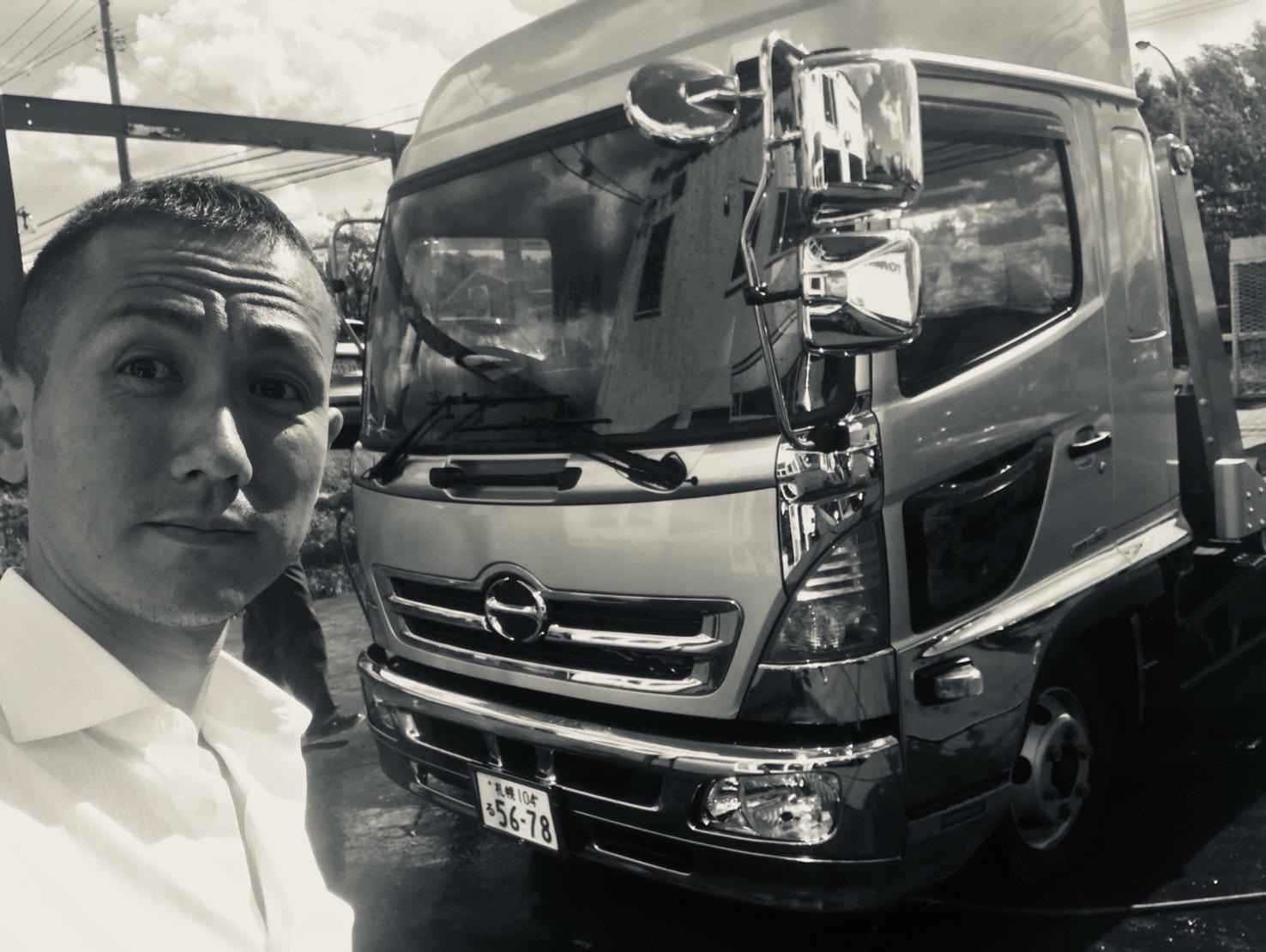9月18日 火曜日の本店ブログ★キャンピングレンタカーありますよ♪ ランクル ハマー ハイエース _b0127002_18203986.jpg