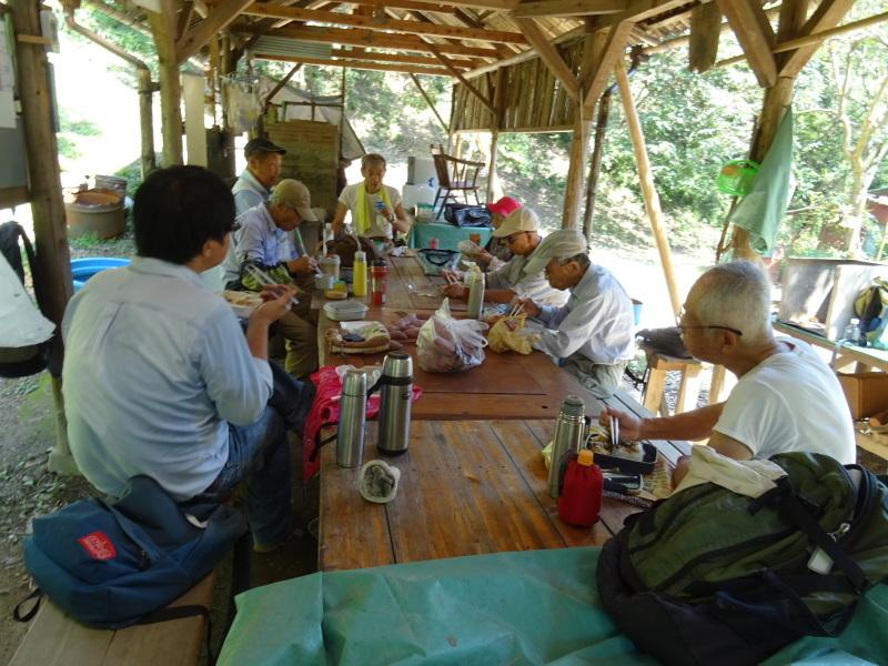 台風被害の復旧作業継続・・・孝子の森_c0108460_18064184.jpg