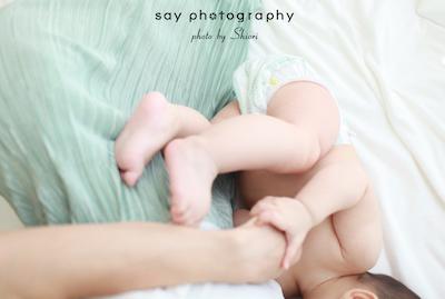 緑のスカートさらり、そして赤ちゃんとママの素肌。_d0220593_08144996.jpg