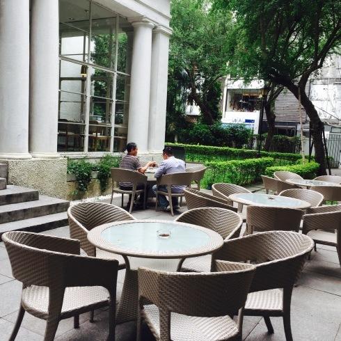 台北旅行 17 緑いっぱいのカフェ&チョコレートパイナップルケーキ@中山_f0054260_15560384.jpg