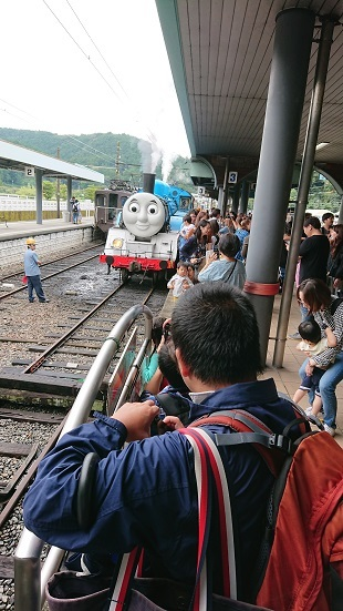 Train Train_f0195579_20373759.jpg