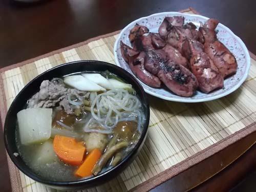 具だくさんの芋煮&山菜ミズの実_f0019498_20191360.jpg