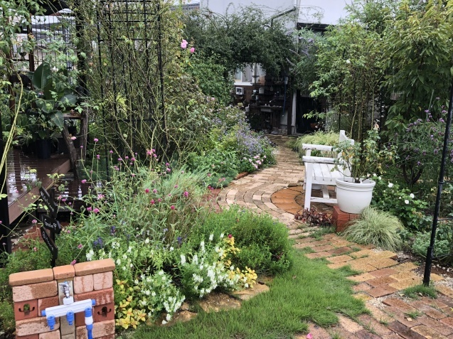 9月の庭「ヤブランと水引草など」_a0243064_16555681.jpg