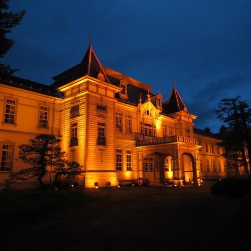 今日からアルツハイマー月間なので、ライトアップをオレンジに!_c0075701_19525201.jpg