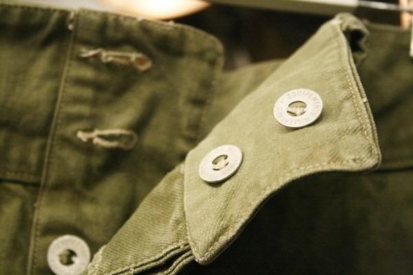 2018 8-9 ヨーロッパ買い付け後記3 人ん家のカレー! 入荷フランス軍M-47パンツ、VETEMENTSネタSECURITE Tシャツ_f0180307_01391672.jpg