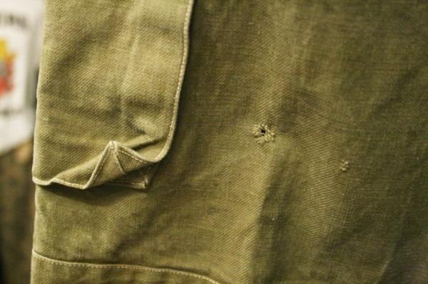 2018 8-9 ヨーロッパ買い付け後記3 人ん家のカレー! 入荷フランス軍M-47パンツ、VETEMENTSネタSECURITE Tシャツ_f0180307_01392006.jpg