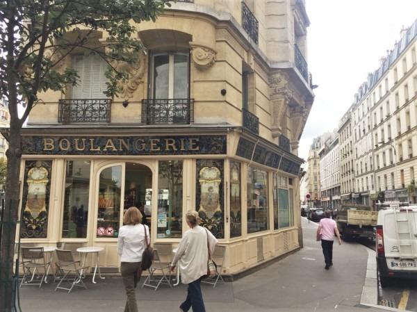 2018 8-9 ヨーロッパ買い付け後記4 パリで昼と夜と同じもの食べる 入荷レディース、ワンピース、ブラウス_f0180307_19560696.jpg
