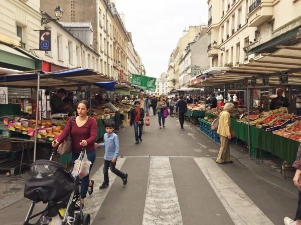 2018 8-9 ヨーロッパ買い付け後記4 パリで昼と夜と同じもの食べる 入荷レディース、ワンピース、ブラウス_f0180307_20194069.jpg