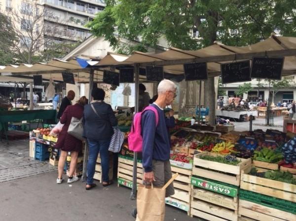 2018 8-9 ヨーロッパ買い付け後記4 パリで昼と夜と同じもの食べる 入荷レディース、ワンピース、ブラウス_f0180307_20414942.jpg