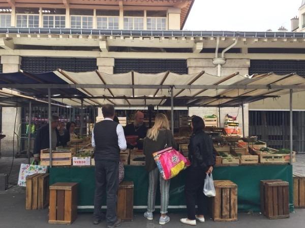 2018 8-9 ヨーロッパ買い付け後記4 パリで昼と夜と同じもの食べる 入荷レディース、ワンピース、ブラウス_f0180307_20414952.jpg