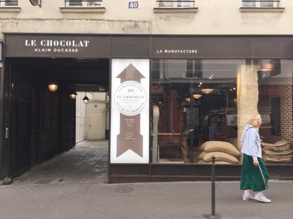 2018 8-9 ヨーロッパ買い付け後記4 パリで昼と夜と同じもの食べる 入荷レディース、ワンピース、ブラウス_f0180307_21474367.jpg