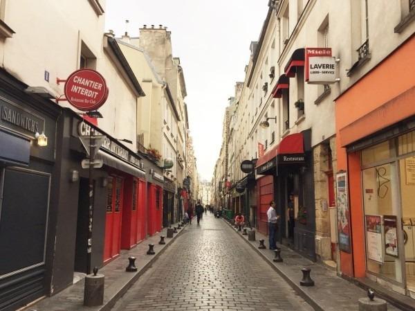 2018 8-9 ヨーロッパ買い付け後記4 パリで昼と夜と同じもの食べる 入荷レディース、ワンピース、ブラウス_f0180307_22195105.jpg
