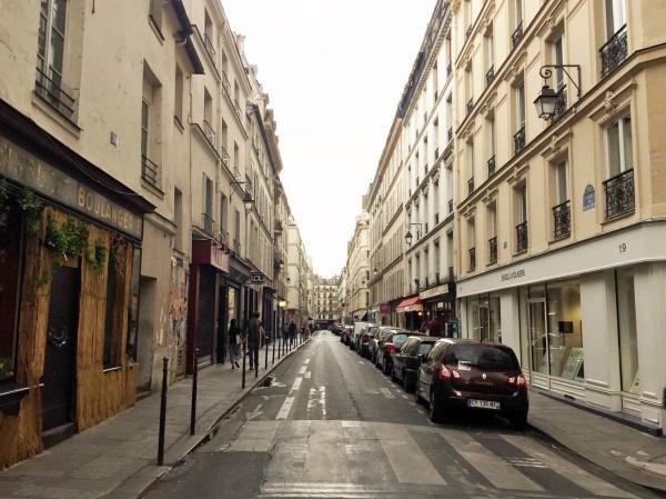 2018 8-9 ヨーロッパ買い付け後記4 パリで昼と夜と同じもの食べる 入荷レディース、ワンピース、ブラウス_f0180307_22204888.jpg