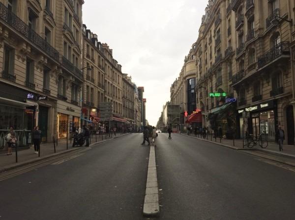 2018 8-9 ヨーロッパ買い付け後記4 パリで昼と夜と同じもの食べる 入荷レディース、ワンピース、ブラウス_f0180307_22241432.jpg