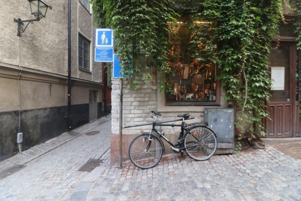 ■北欧近代建築を巡る旅 アールト&アスプルンド 1日目 朝の散歩_f0165030_11214342.jpg