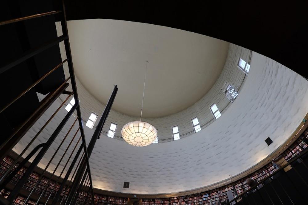 ■北欧近代建築を巡る旅 アールト&アスプルンド 1日目 スカンディア・シネマ・ストックホルム市立図書館_f0165030_17325063.jpg