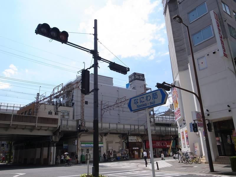 大阪梅田、車窓より_f0159784_12552400.jpg