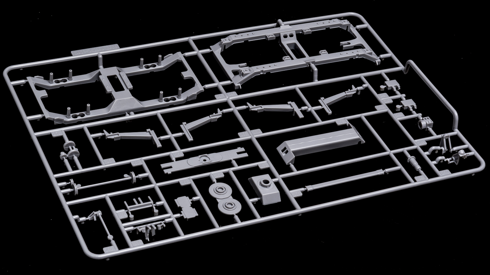 アオシマの放つ「超巨大な電気機関車のプラモデル」、トレミュEF66の細部に迫る【前編】_b0029315_00460512.jpg