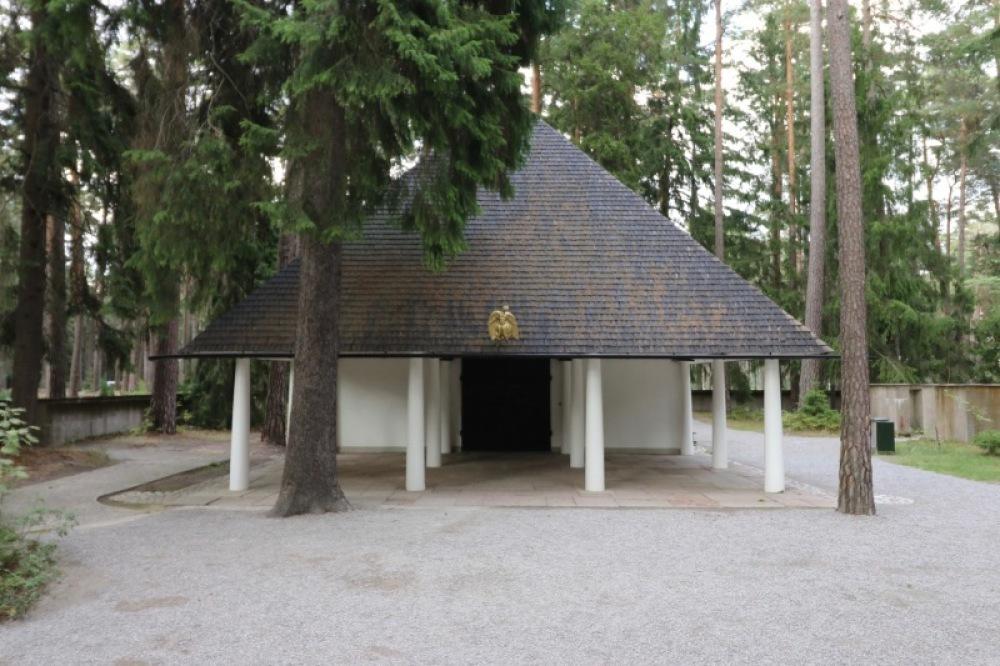 ■北欧近代建築を巡る旅 アールト&アスプルンド 1日目 森の墓地_f0165030_10040107.jpg