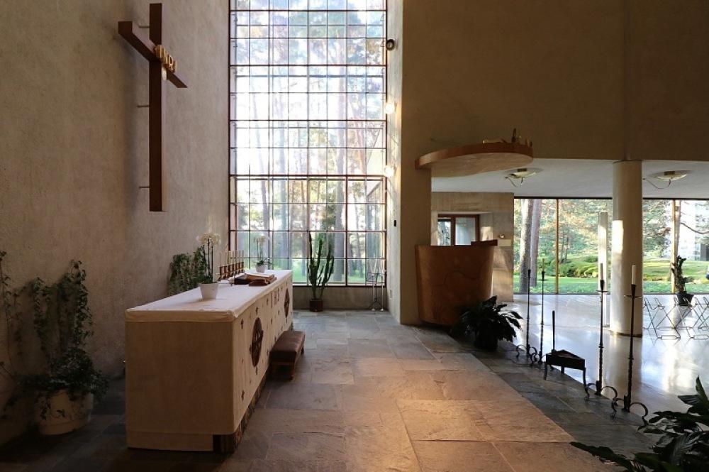 ■北欧近代建築を巡る旅 アールト&アスプルンド 3日目 トゥルクの礼拝堂_f0165030_16353334.jpg