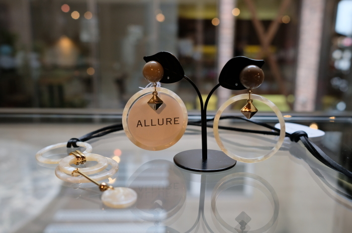 """2018 Fall & Winter~ALLURE Accessory Exhibition~3日目 ...9/23sun\""_d0153941_17372257.jpg"