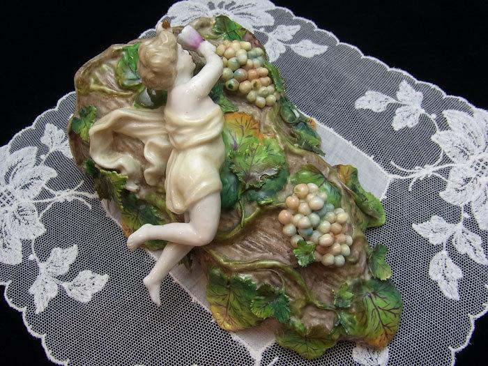天使と葡萄の花挿し_d0127182_15422740.jpg