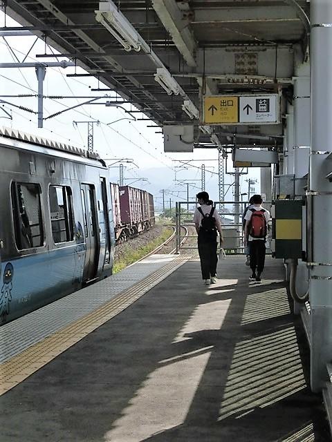 藤田八束の鉄道写真@青い森鉄道と貨物列車の激写・・・貨物列車レッドサンダーと金太郎はかっこいい!!_d0181492_21340641.jpg