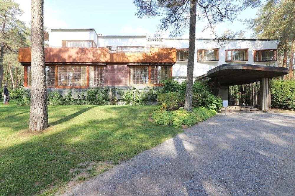 ■北欧近代建築を巡る旅 アールト&アスプルンド 3日目 マイレア邸_f0165030_18093630.jpg