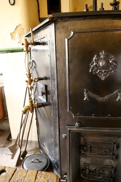 ビクトリア時代の公爵家ーペットワースハウスのキッチン_f0380234_03092347.jpg