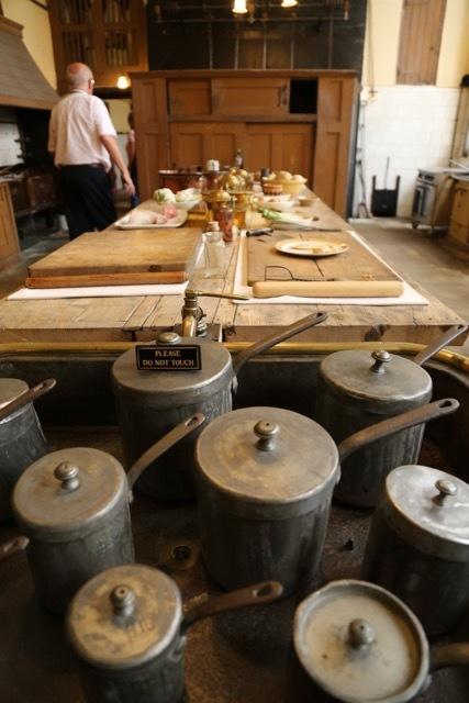 ビクトリア時代の公爵家ーペットワースハウスのキッチン_f0380234_03113269.jpg