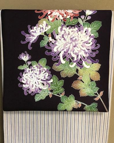 秋にピッタリの菊の染帯と先日仕入れたばかりの縞の御召_f0181251_1540893.jpg