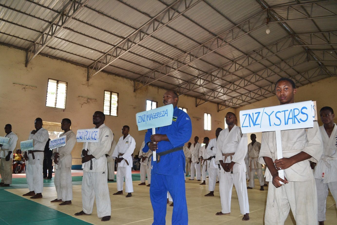 ZANZIBAR WEGHT CATEGORY JUDO CHAMPIONSHIP2018~ザンジバル柔道選手権大会2018_a0088841_10362585.jpg