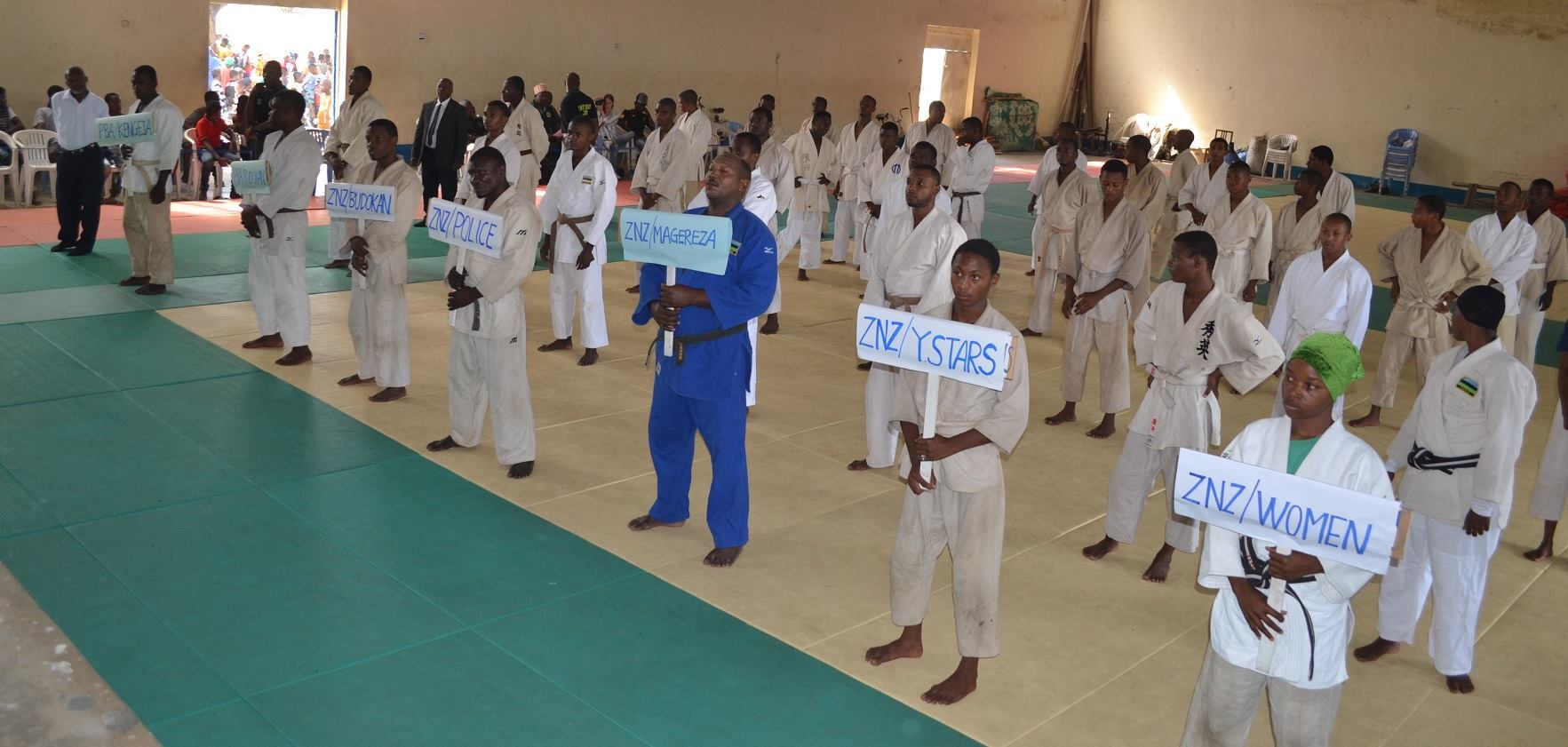 ZANZIBAR WEGHT CATEGORY JUDO CHAMPIONSHIP2018~ザンジバル柔道選手権大会2018_a0088841_10362709.jpg