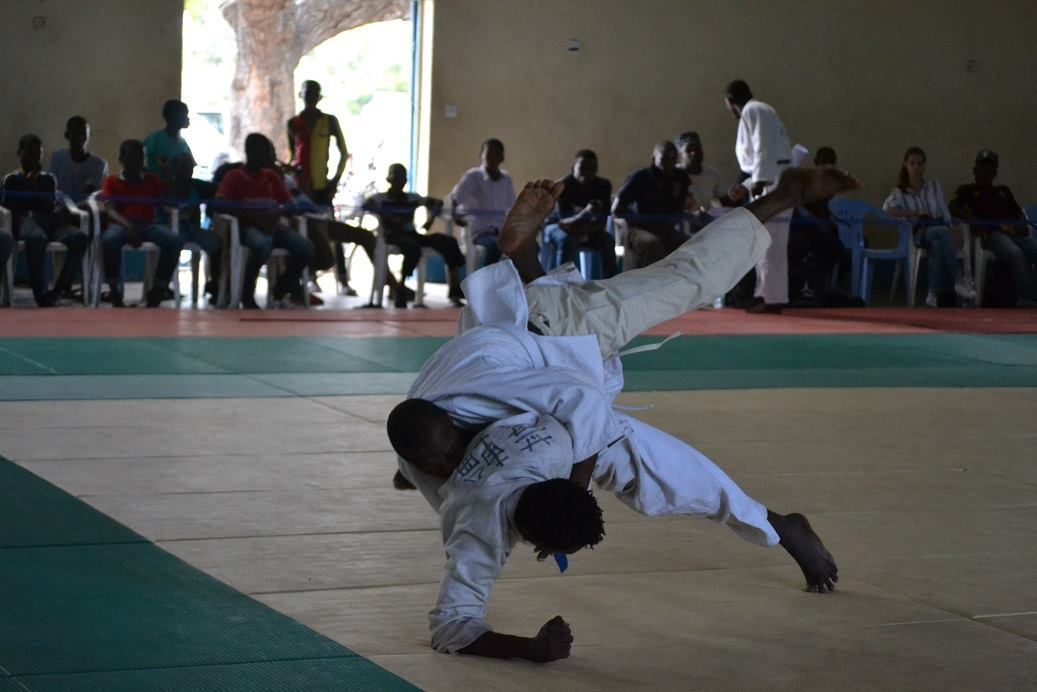 ZANZIBAR WEGHT CATEGORY JUDO CHAMPIONSHIP2018~ザンジバル柔道選手権大会2018_a0088841_10362797.jpg