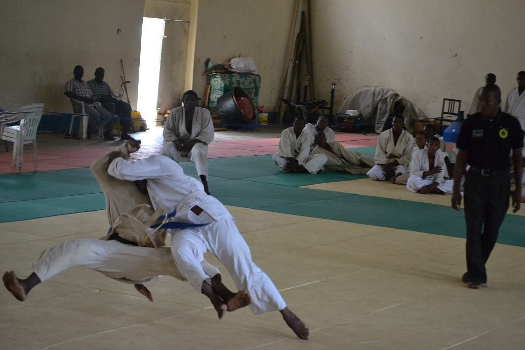 ZANZIBAR WEGHT CATEGORY JUDO CHAMPIONSHIP2018~ザンジバル柔道選手権大会2018_a0088841_10402683.jpg