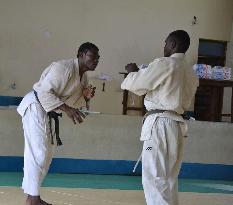 ZANZIBAR WEGHT CATEGORY JUDO CHAMPIONSHIP2018~ザンジバル柔道選手権大会2018_a0088841_10402688.jpg