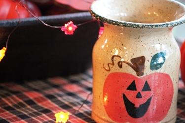秋のテーブルデコレーションとパンプキン柄のポタリー_f0161543_15173496.jpg