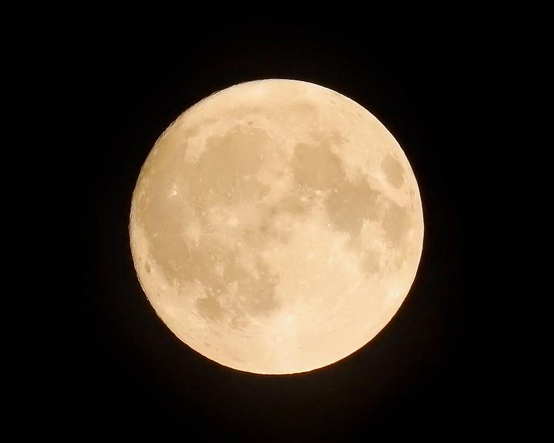 郷愁の里で ほかお月様も_c0305565_17511821.jpg