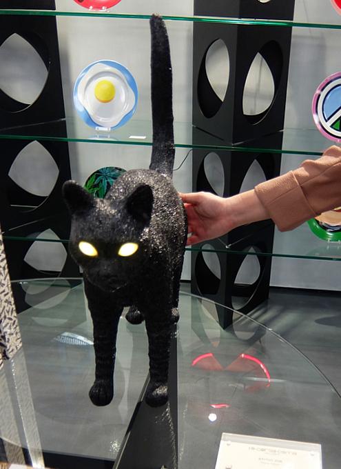 こんな猫ライト見つけました(笑)_b0007805_23515630.jpg