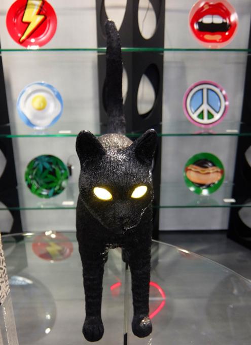 こんな猫ライト見つけました(笑)_b0007805_23523024.jpg