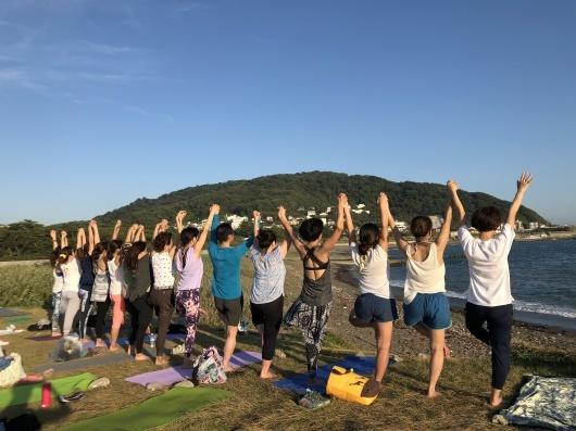 Beach mayu yoga2018 今年もありがとう!_a0267845_17305085.jpg