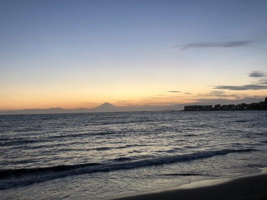 Beach mayu yoga2018 今年もありがとう!_a0267845_17351911.jpg