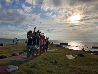 Beach mayu yoga2018 今年もありがとう!_a0267845_17354451.jpg