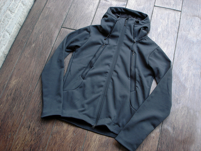 NEW : DESCENTE [ALTERRAIN] WIND SHIELD SOFT SHELL JACKET &  PRIMEFLEX HOODIE 2018FW !!_a0132147_2025445.jpg