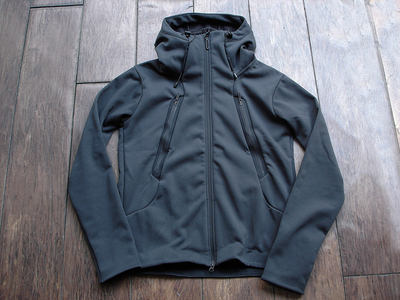 NEW : DESCENTE [ALTERRAIN] WIND SHIELD SOFT SHELL JACKET &  PRIMEFLEX HOODIE 2018FW !!_a0132147_20255320.jpg