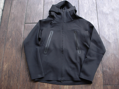 NEW : DESCENTE [ALTERRAIN] WIND SHIELD SOFT SHELL JACKET &  PRIMEFLEX HOODIE 2018FW !!_a0132147_20271587.jpg