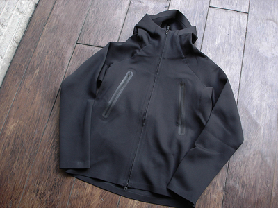 NEW : DESCENTE [ALTERRAIN] WIND SHIELD SOFT SHELL JACKET &  PRIMEFLEX HOODIE 2018FW !!_a0132147_2027565.jpg